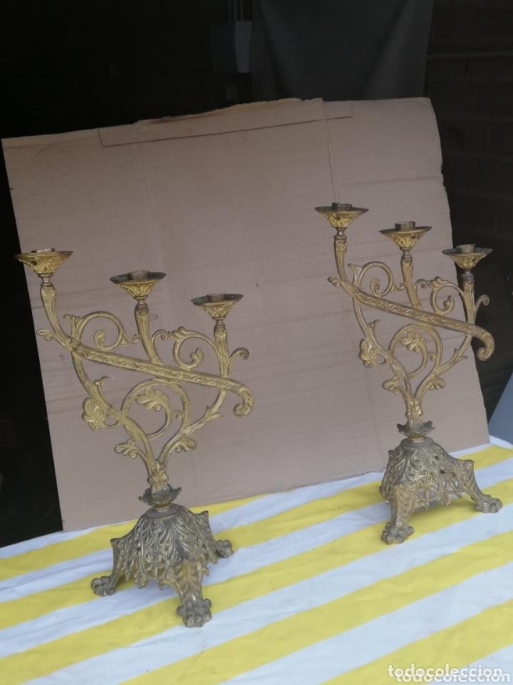 ANTIGUA PAREJA DE CANDELABROS DE IGLESIA BRONCE SIGLO XIX (Antigüedades - Iluminación - Candelabros Antiguos)