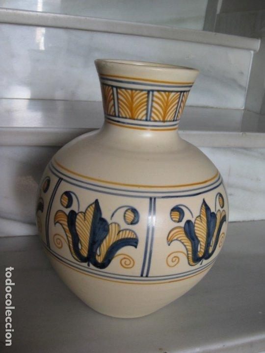 JARRÓN CERÁMICA. CHACON. TALAVERA (Antigüedades - Porcelanas y Cerámicas - Talavera)