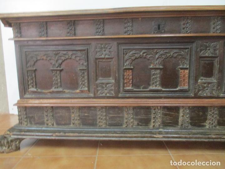 Antigüedades: Antigua Arca, Arcón Catalán - Baúl Barroco - Madera de Nogal - S. XVIII - Foto 3 - 174081169