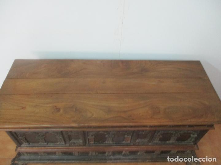 Antigüedades: Antigua Arca, Arcón Catalán - Baúl Barroco - Madera de Nogal - S. XVIII - Foto 12 - 174081169