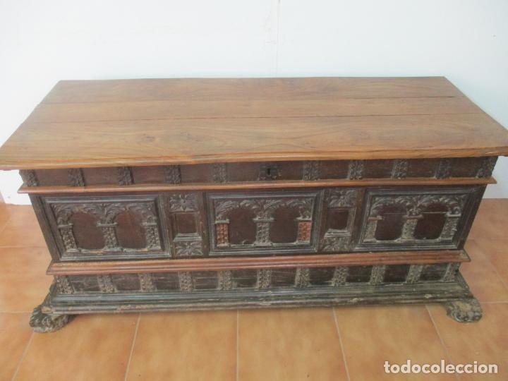 Antigüedades: Antigua Arca, Arcón Catalán - Baúl Barroco - Madera de Nogal - S. XVIII - Foto 13 - 174081169