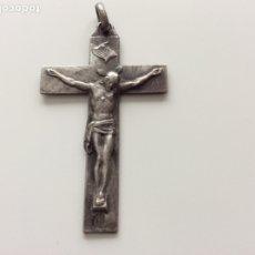 Antigüedades: ANTIGUO CRUCIFIJO CON INSCRIPCIÓN JESUS, JOSE Y MARIA POR DETRÁS E IMAGEN DE LA VIRGEN VER BIEN FOTO. Lote 184552480
