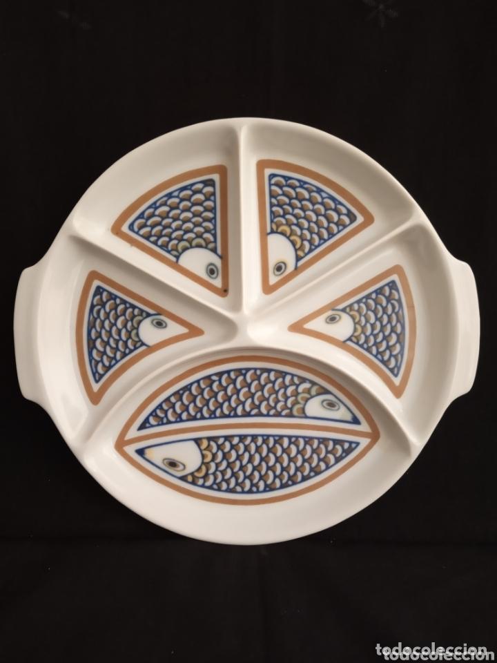 ANTIGUA Y GRANDE BANDEJA DE APERITIVOS DE LA MARCA ISARD. DIÁMETRO 25 CMS. (Antigüedades - Hogar y Decoración - Platos Antiguos)