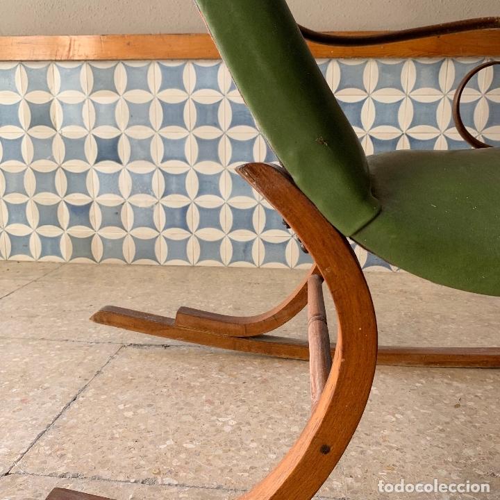 Antigüedades: MECEDORA ESTILO THONET DE TELA EN RESPALDO Y ASIENTO, MUY COMODA - Foto 10 - 174117882