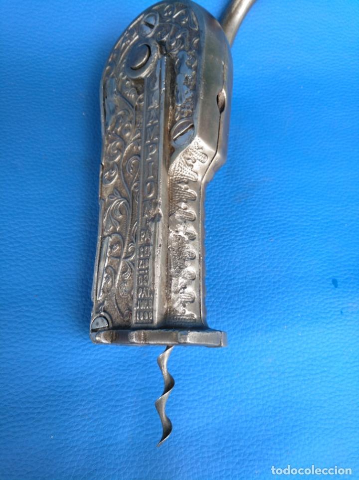 Antigüedades: DESCORCHADOR MUY ANTIGUO MARCA IMPERIAL CON FECHAS DE PATENTES. - Foto 9 - 174127032