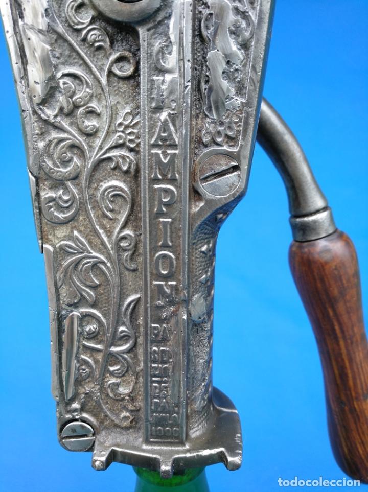Antigüedades: DESCORCHADOR MUY ANTIGUO MARCA IMPERIAL CON FECHAS DE PATENTES. - Foto 12 - 174127032