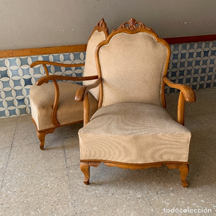 Antigüedades: PAREJA DE SILLONES DESCALZADORES, EN BASTANTE BUEN ESTADO, SE PODRIAN DEJAR ASI. - Foto 2 - 174127685