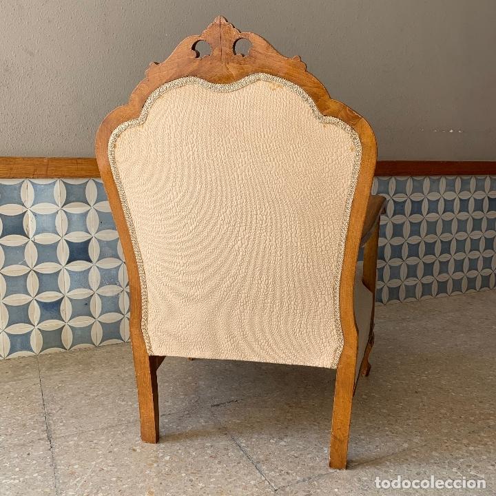 Antigüedades: PAREJA DE SILLONES DESCALZADORES, EN BASTANTE BUEN ESTADO, SE PODRIAN DEJAR ASI. - Foto 3 - 174127685