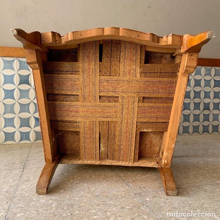 Antigüedades: PAREJA DE SILLONES DESCALZADORES, EN BASTANTE BUEN ESTADO, SE PODRIAN DEJAR ASI. - Foto 6 - 174127685