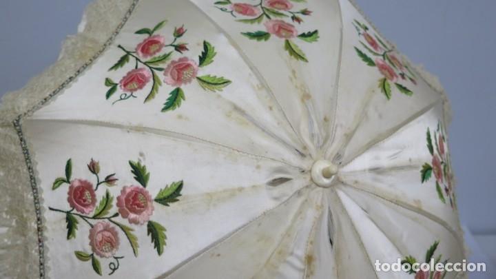 Antigüedades: ANTIGUA SOMBRILLA DE SEDA BORDADA CON MANGO DE HUESO TALLADO. SIGLO XIX - Foto 12 - 174129484