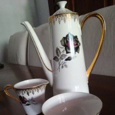 Antigüedades: COFFEE SET ENGLISH BONE CHINA 22CT GOLD EMBELLISHMENTS. Lote 174135230