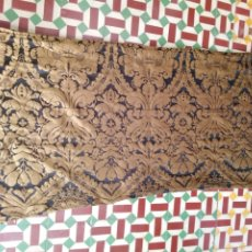 Antigüedades: RETAL 155 X 80 TELA BROCADO DAMASCO NEGRO Y ORO VIEJO IDEAL VIRGEN DOLOROSA BALCONERA SEMANA SANTA . Lote 174218168