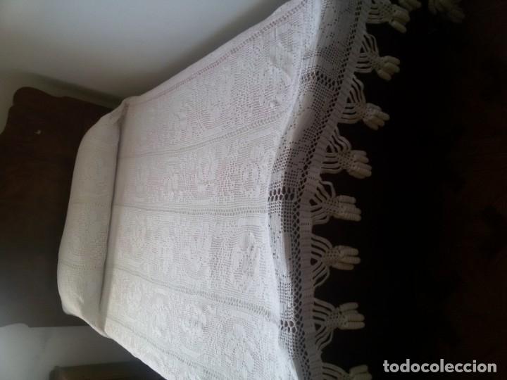 Antigüedades: Preciosa colcha blanca -cama de 1,35 cm - Foto 2 - 174224865