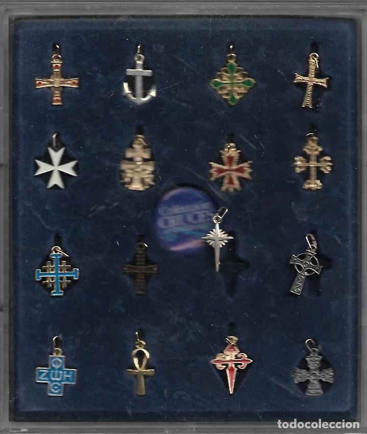Antigüedades: COLECCION EN ESTUCHE DE 16 CRUCES UNIVERSALES CON LIBRETO EXPLICATIVO VER FOTOS - Foto 2 - 174257895