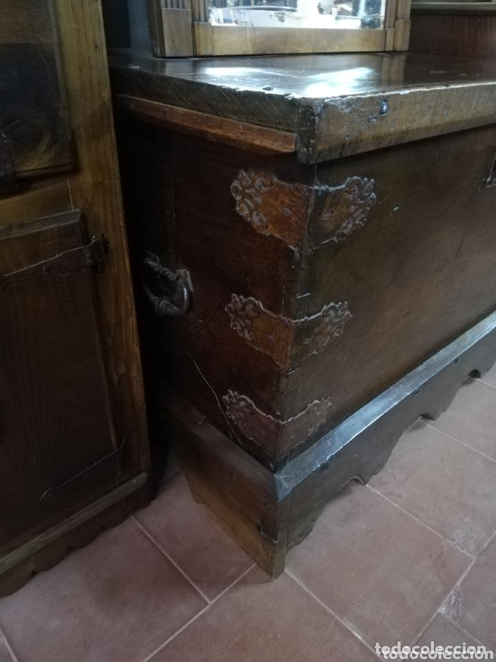 Antigüedades: Arca nogal antigua - Foto 2 - 174295273