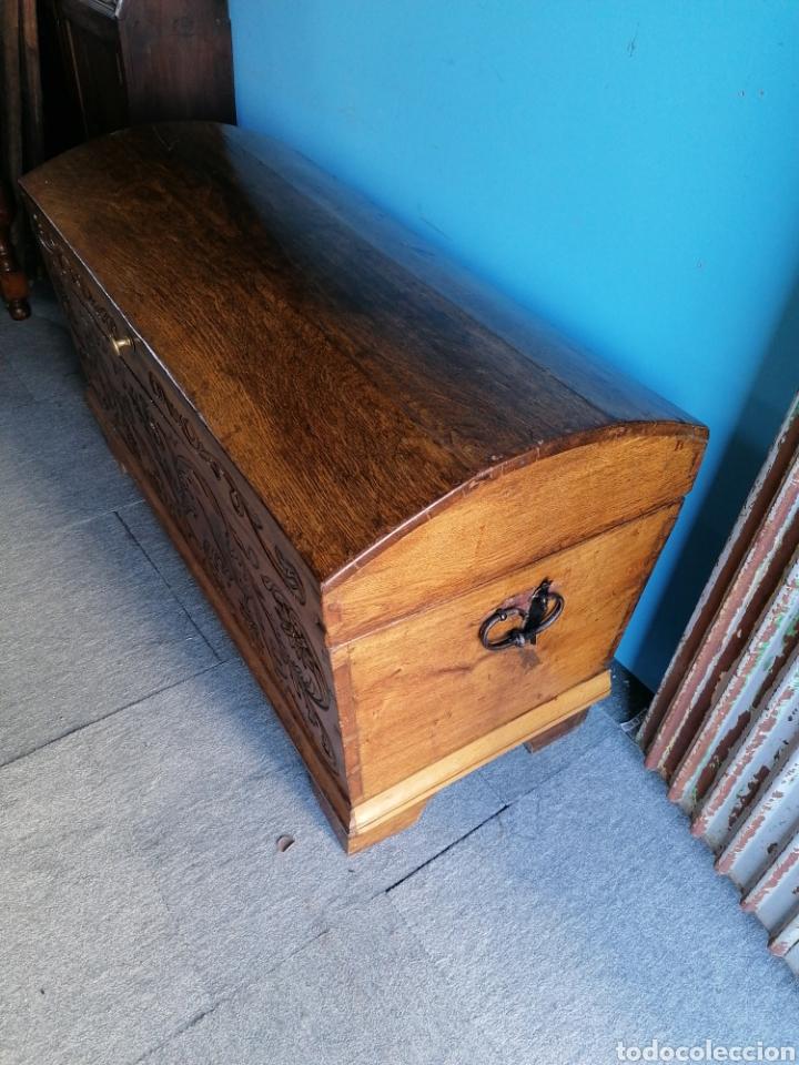 Antigüedades: Baúl de roble tallado en muy buen estado - Foto 2 - 174357427
