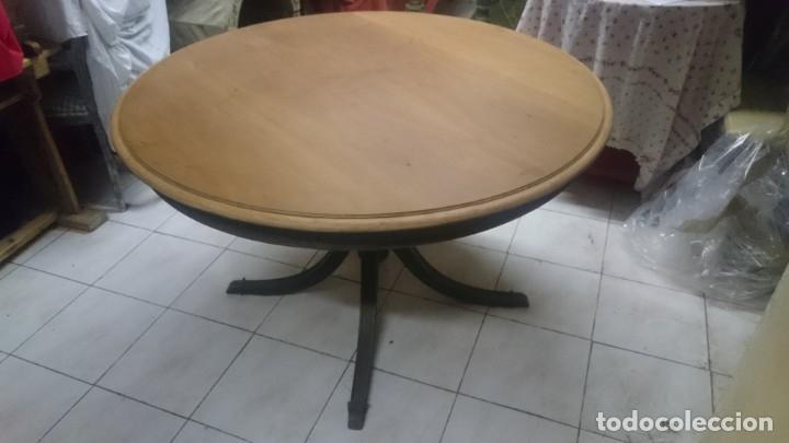 Antigüedades: Espectacular mesa de madera restaurada, de centro, sólida y estable. Leer. - Foto 6 - 122433555