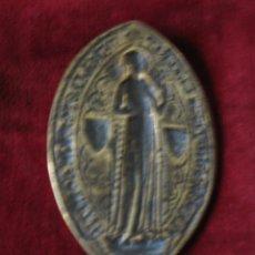 Antigüedades: IMPORTANTE Y RARA MATRIZ DE SELLO MEDIEVAL. S: XIV O XV. EN BRONCE Y BIEN CONSERVADA. Lote 174375174