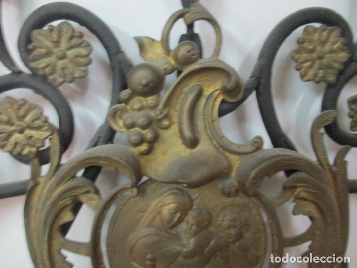 Antigüedades: Pareja de Cabezales de Cama - Cabezal de Hierro Forjado - Decoración de Bronce Cincelado - Foto 6 - 174375929