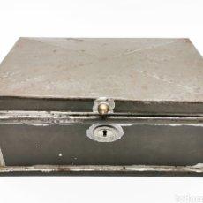 Antigüedades: BONITA CAJA DE METAL. Lote 174385725