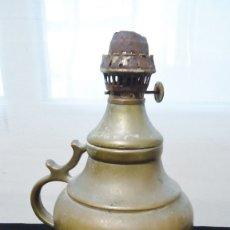 Antigüedades: ANTIGUO QUINQUE DE BRONCE MACIZO CON DEPOSITO. Lote 174401010