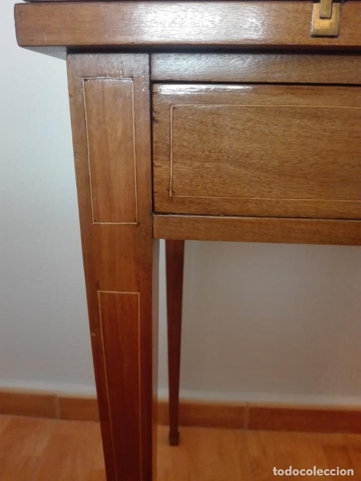Antigüedades: Mesa de juego de pañuelo. Solo recogida. - Foto 4 - 174403920