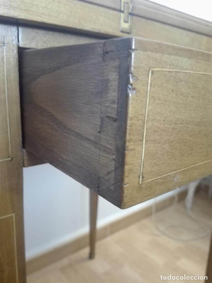 Antigüedades: Mesa de juego de pañuelo. Solo recogida. - Foto 5 - 174403920