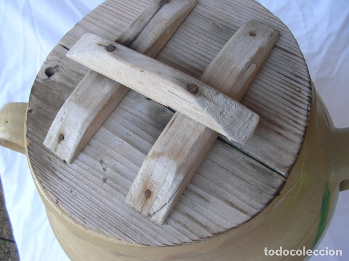 Antigüedades: Orza .Matanza . años 40 / 50 .Ceramica Lucena . Alt .44 cm .Boca 22 cm. Tapa madera . nuevas fotos - Foto 4 - 71170025