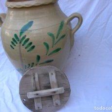 Antigüedades: ORZA .MATANZA . AÑOS 40 / 50 .CERAMICA LUCENA . ALT .44 CM .BOCA 22 CM. TAPA MADERA . NUEVAS FOTOS. Lote 71170025