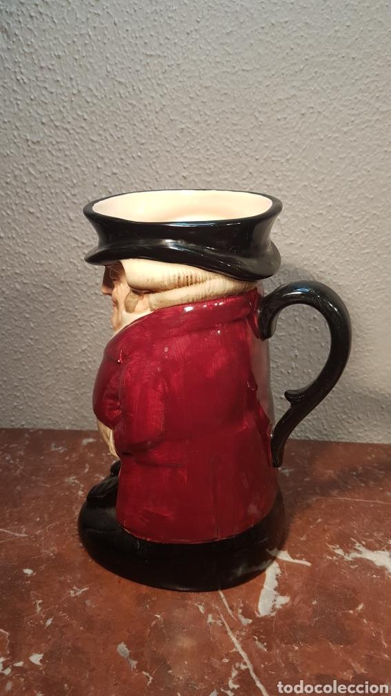 Antigüedades: Preciosa jarra Royal Doulton, Made in England, modelo The Huntsman.Tiene en la base la marca, Royal - Foto 3 - 174436542