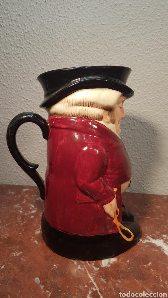 Antigüedades: Preciosa jarra Royal Doulton, Made in England, modelo The Huntsman.Tiene en la base la marca, Royal - Foto 5 - 174436542
