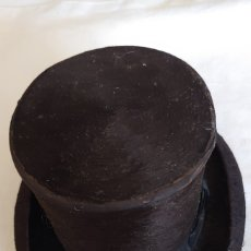 Antigüedades: SIGLO XIX.ANTIGUO PEQUEÑO (MUESTRA)SOMBRERO DE COPA CHISTERA. Lote 174438189