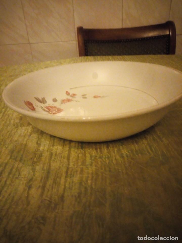Antigüedades: Antigua ensaladera de cerámica la cartuja pickman,decoración rosas. - Foto 4 - 174458882