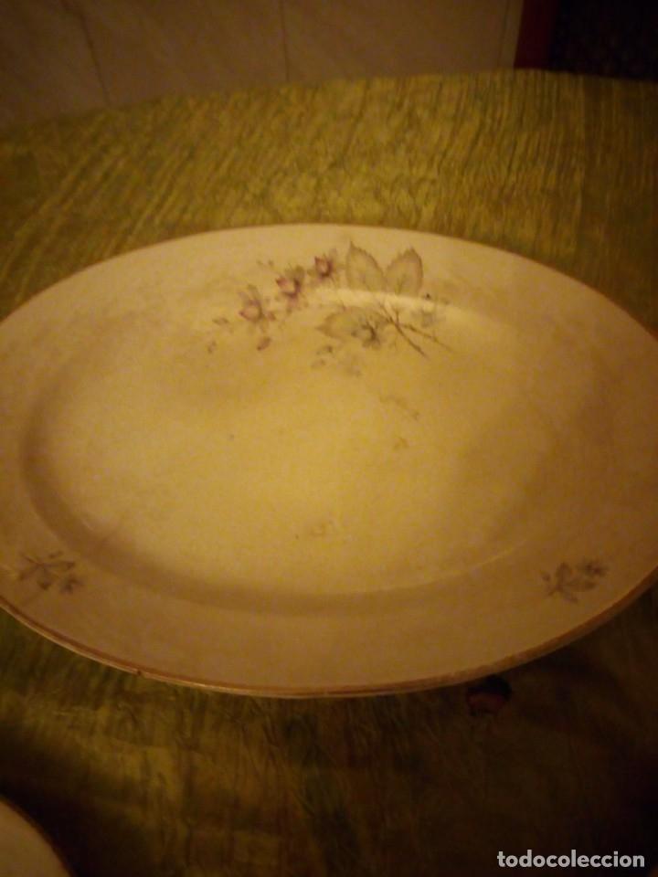 Antigüedades: Lote de 3 fuentes y 1 plato de cerámica la cartuja pickman,motivo floral,siglo xix - Foto 7 - 174459229