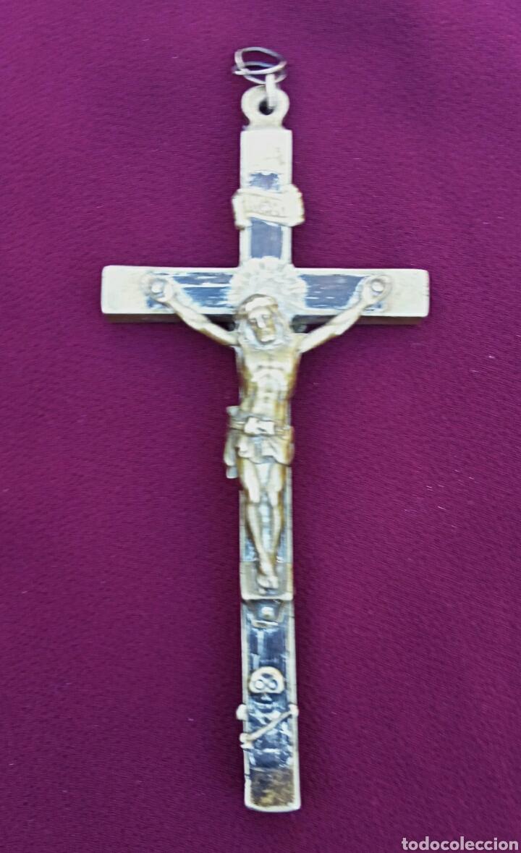 Antigüedades: Crucifijo de pectoral. Siglo XIX. Madera ebonizada y bronce dorado. - Foto 3 - 174464817