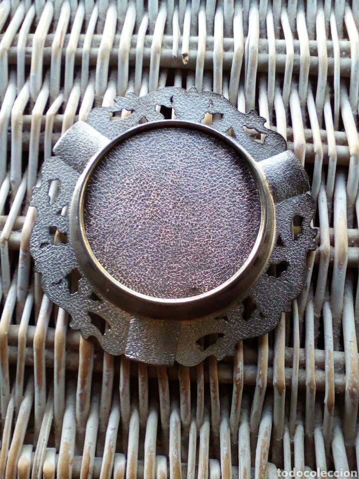 Antigüedades: Antiguo Cenicero de Metal recuerdo de GRANADA - Foto 2 - 174466429