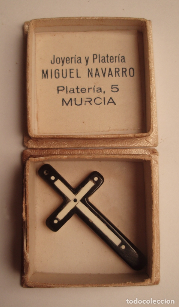 Antigüedades: CRUZ DE BAQUELITA. BLANCO Y NEGRO. POSITIVO Y NEGATIVO. CON SU CAJA, JOYERIA MIGUEL NAVARRO, MURCIA. - Foto 5 - 45534431