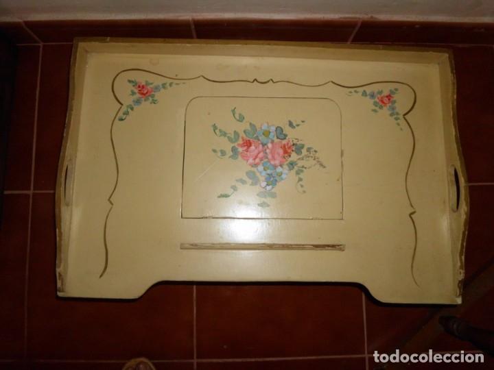 BANDEJA DE CAMA DE MADERA (Antigüedades - Hogar y Decoración - Bandejas Antiguas)
