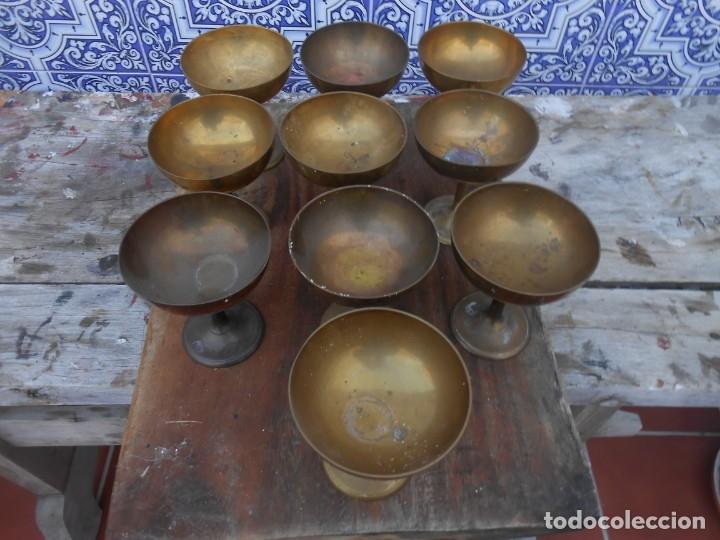 DIEZ COPAS DE LATON RIGIDO ANTIGUAS PARA VITRINA O CHAMPAN, ETC... (Antigüedades - Hogar y Decoración - Copas Antiguas)