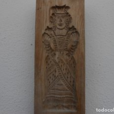 Antigüedades: TALLA DE MADERA SOLDADO Y MUJER. Lote 174518698