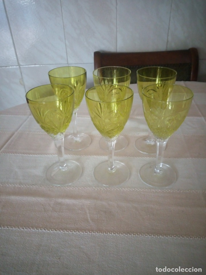 CRISTAL DE BOHEMIA TALLADO 6 COPAS DE VINO EN COLOR VERDE,TALLA ESTRELLA DIAMANTE, REPÚBLICA CHECA (Antigüedades - Cristal y Vidrio - Bohemia)