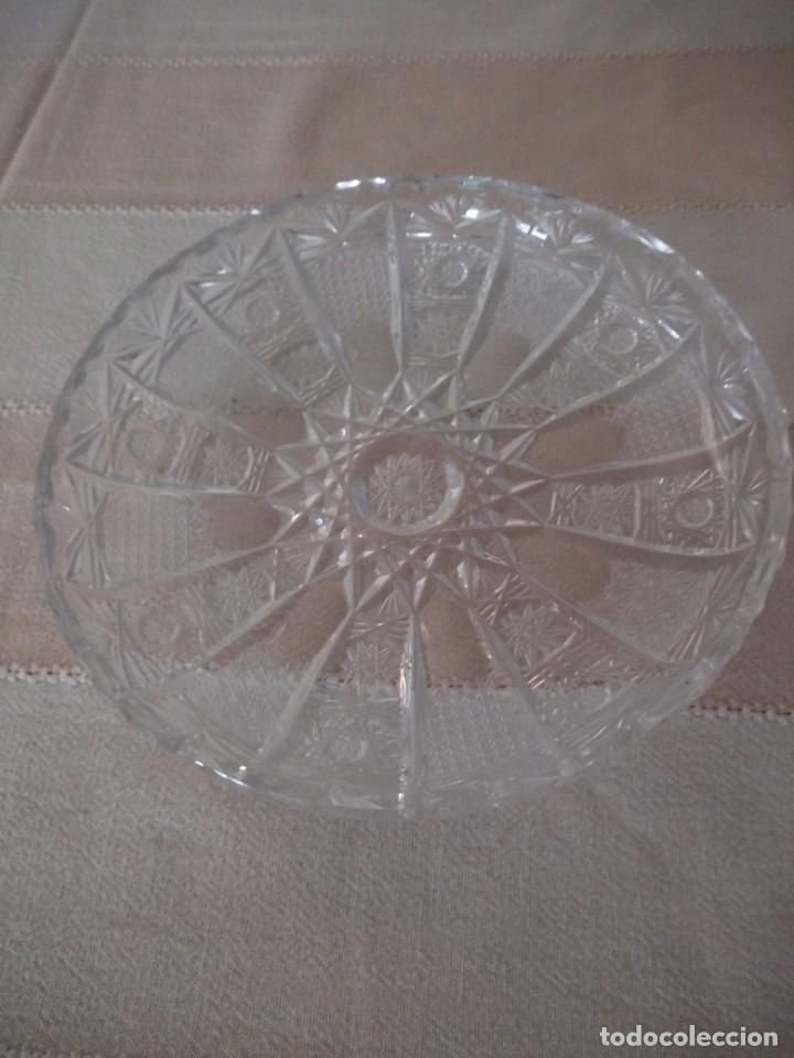 Antigüedades: Cristal de Bohemia plato de aperitivos,talla estrella diamante, república checa - Foto 2 - 174527252