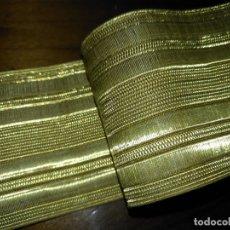 Antigüedades: GRAN GALON ORIGINAL ORO METAL METALICO , ANTIGUO ORIGINAL 47 X 5 CM - ALTA CALIDAD IDEAL VIRGEN. Lote 174550508