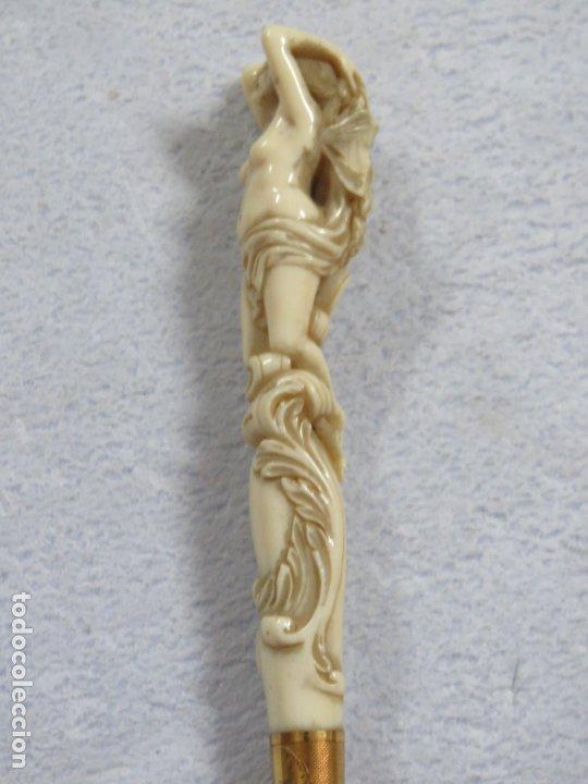 Antigüedades: INSOLITO BASTON DE MARFIL TALLADO VENUS DESNUDA DATA DEL SIGLO XVIII, DE ORIGEN FRANCES,ORO DE 18 CT - Foto 4 - 174571157