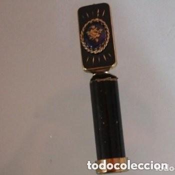 PINTALABIOS CON ESPEJO DE LOS AÑOS 20 CON UNA ROSA (Antigüedades - Moda - Otros)