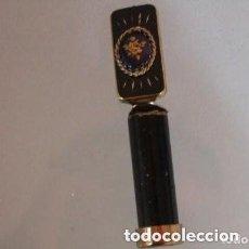 Antigüedades: PINTALABIOS CON ESPEJO DE LOS AÑOS 20 CON UNA ROSA . Lote 174589058