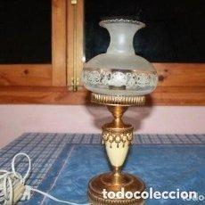 Antigüedades: LAMPARA ANTIGUA DE LOS AÑOS 60 O 70 (FUNCIONA) . Lote 174594259