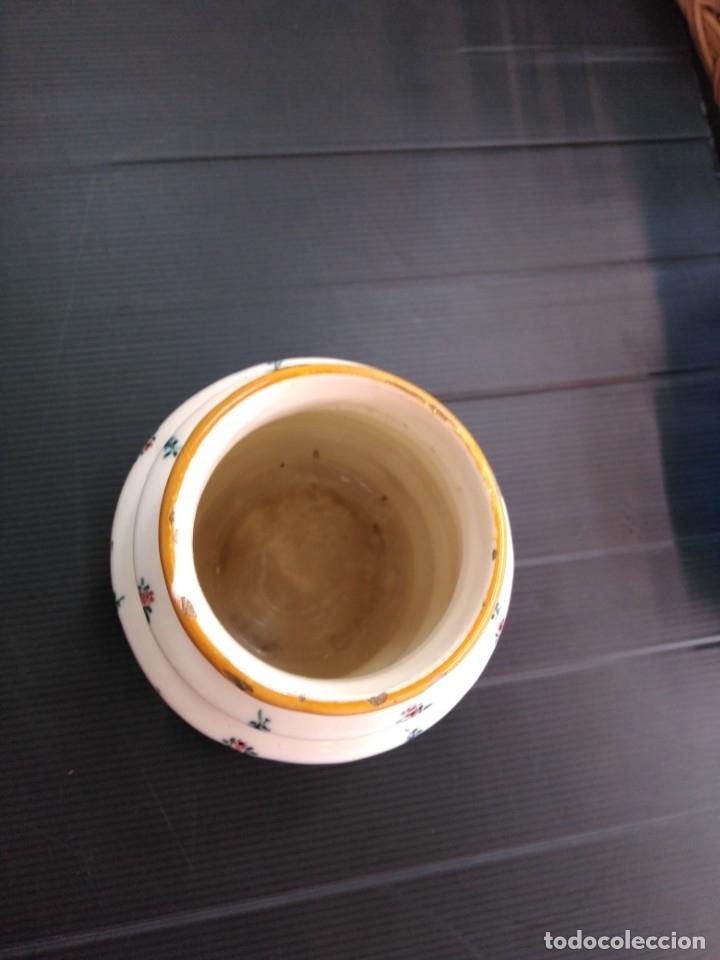 Antigüedades: Alcora, jarrón seríe el ramito siglo XIX - Foto 3 - 174611872