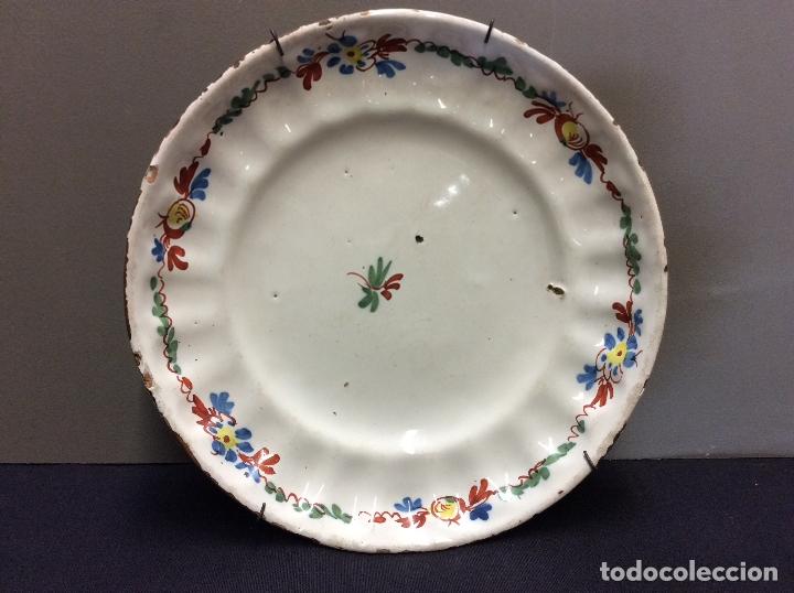 PLATO CERAMICA DE ALCORA. S. XIX. (Antigüedades - Porcelanas y Cerámicas - Alcora)