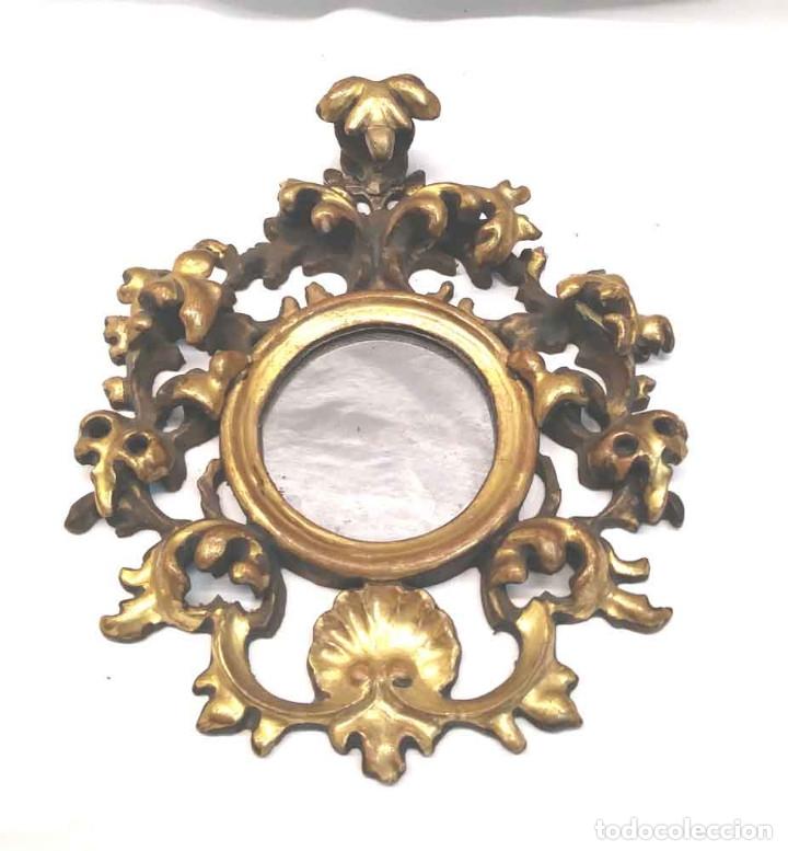 ESPEJO CORNUCOPIA TALLA MADERA DORADA PAN DE ORO S XIX. MED. 16 X 19 CM (Antigüedades - Muebles Antiguos - Cornucopias Antiguas)